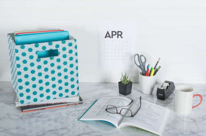 Teal Honeycomb Polyester Cube - 13x13x13