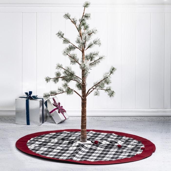 Classic Christmas Plaid Tree Skirt