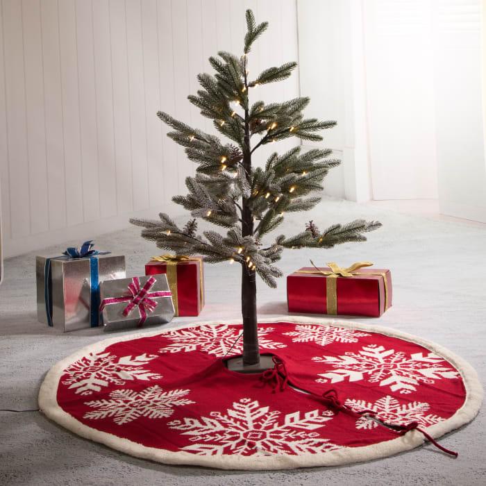Red Snowflake Tree Skirt