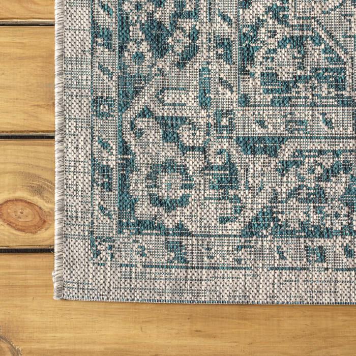 Boho Medallion Textured Weave Outdoor Gray/Teal 8' x 10' Area Rug