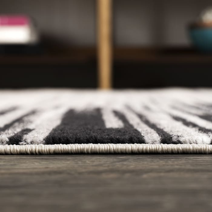 Modern Half-Stripe Gray and Cream 5.25' x 7.5' Area Rug