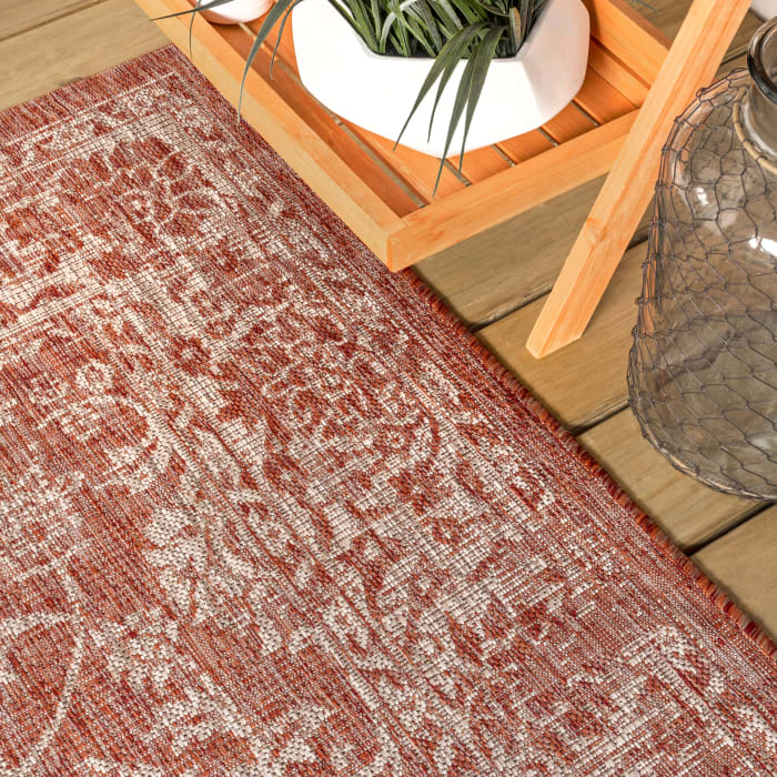 Bohemian Textured Weave Floral Outdoor Red/Taupe Rug: 2.25' x 8' Runner Rug