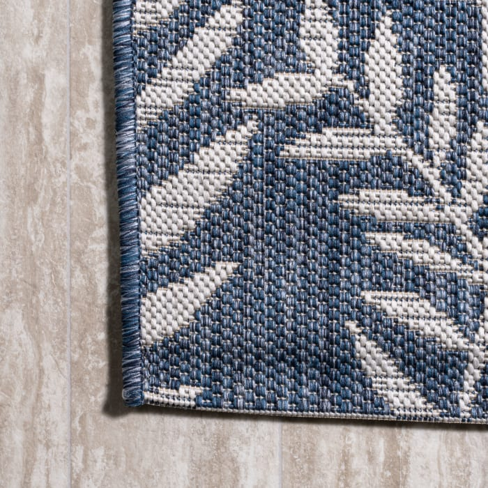 Palm Frond Outdoor Navy/Ivory Rectangular 3' x 5' Area Rug
