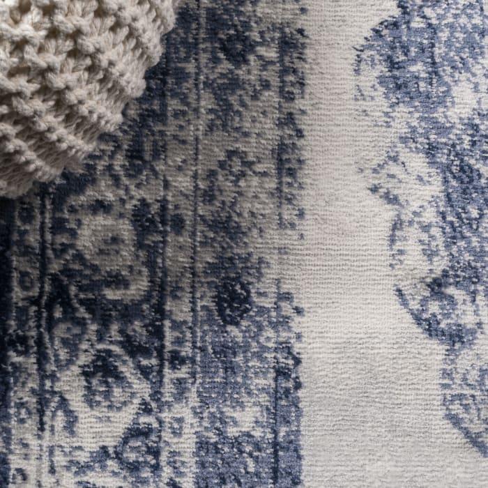 Cottage Medallion Navy/Ivory 2' x 8' Runner Rug