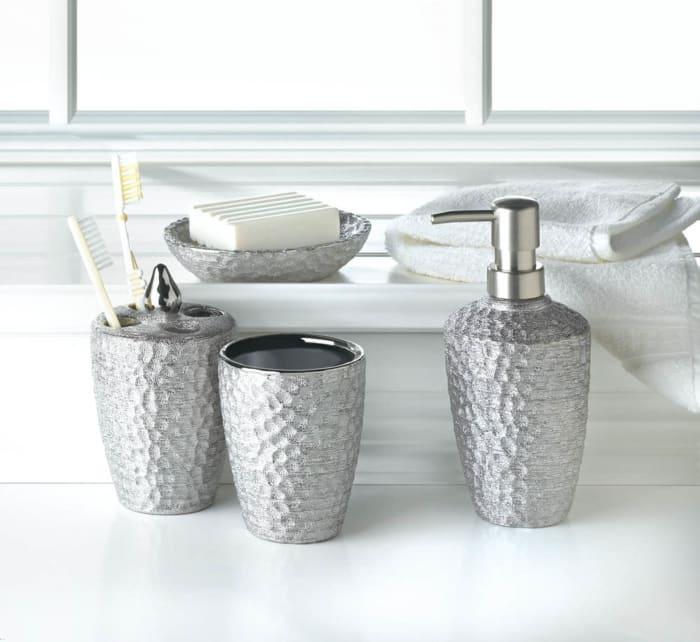 Hammered Silver Texture Bath Accessories Set