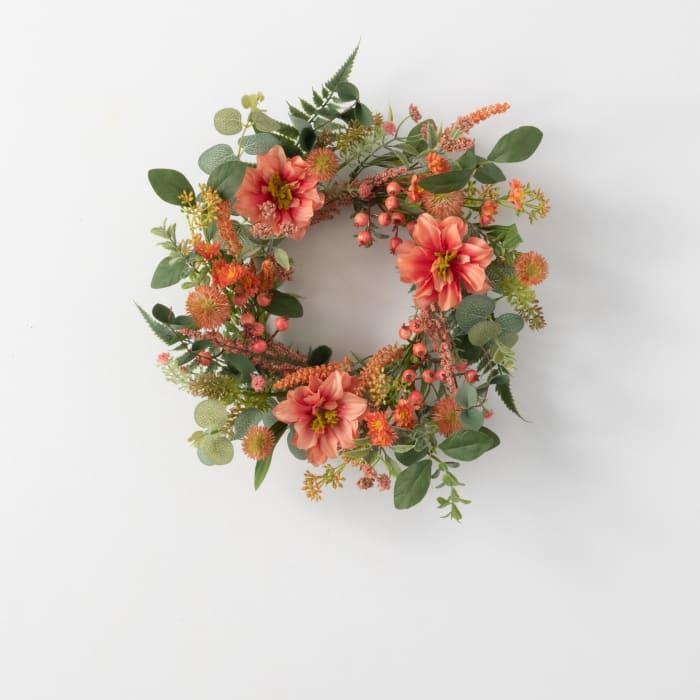 Dahlia Berry Accent Wreath