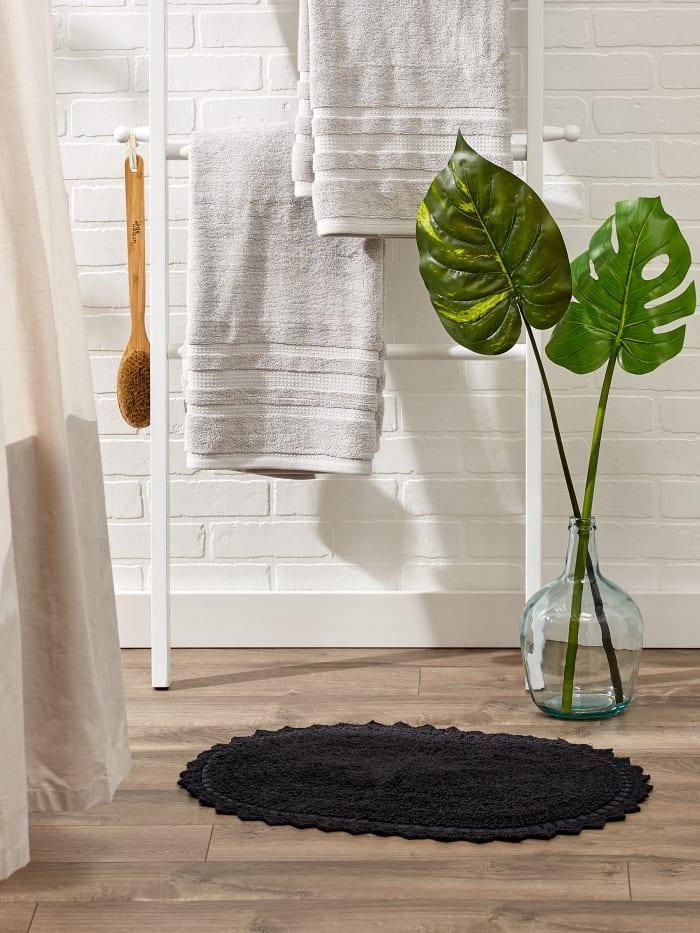 Black Small Oval Crochet Bath Mat