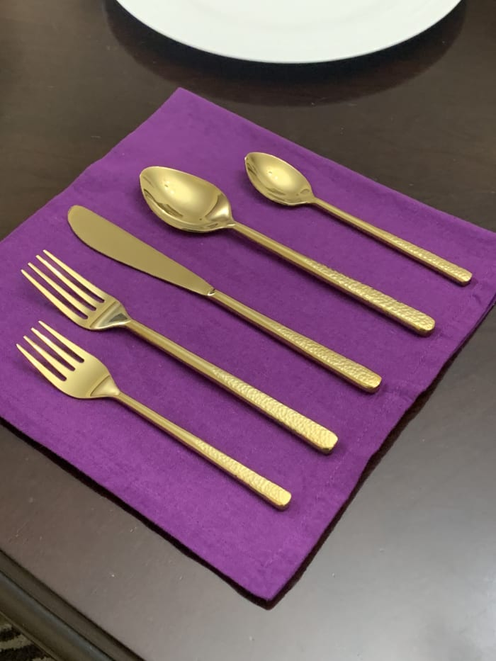 Hammered Place Setting Gold 5 Piece Flatware Set
