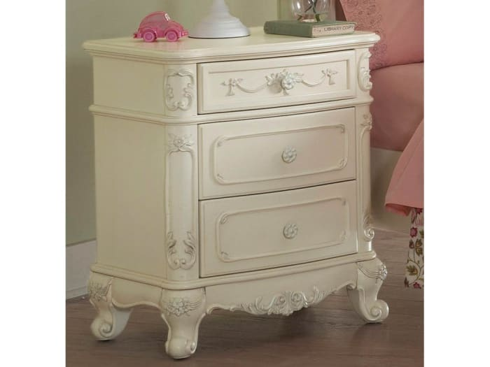 Traditional Cabriole Legs 3-Drawer Wood White Nightstand