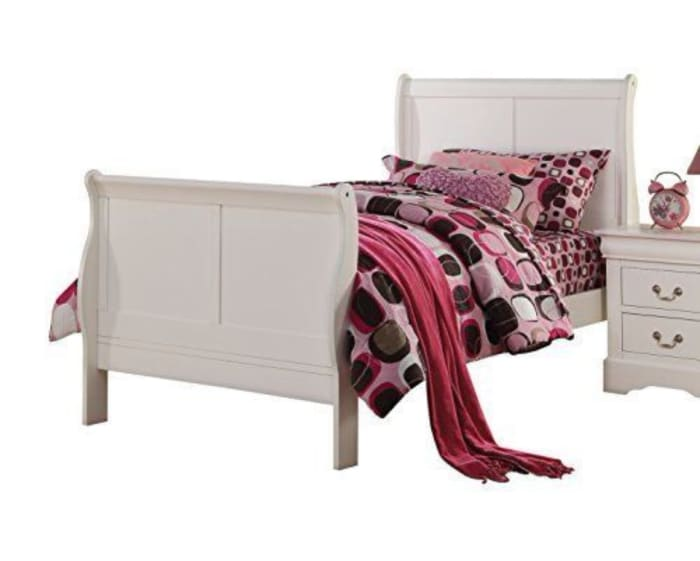 Sophisticated Contemporary Style Twin Size Sleigh Bed, White