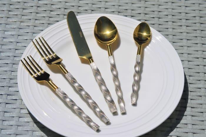 Elegant Gold Twist 5 Piece Place Setting Flatware