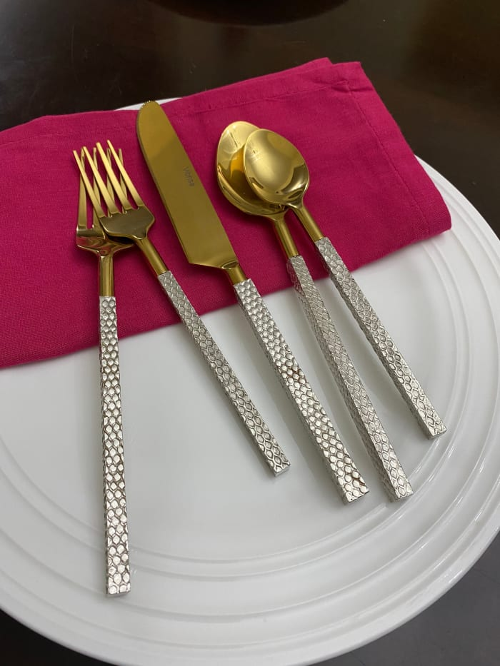 Golden 20 Piece Service for 4 Flatware Set