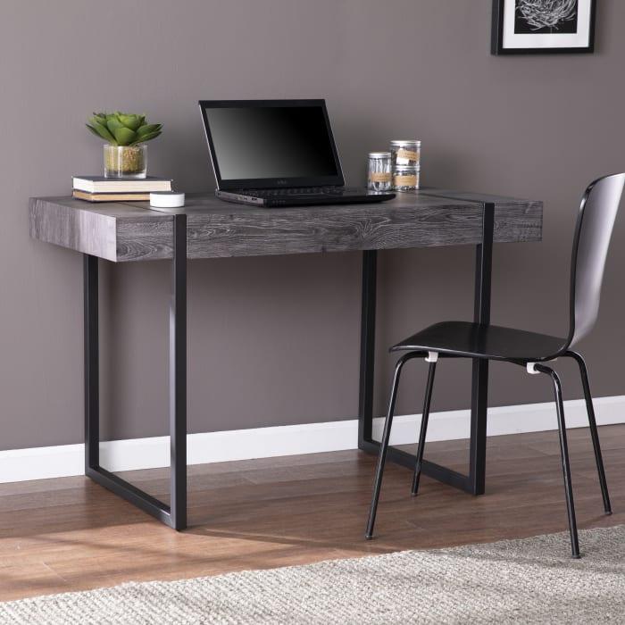 Dordogne Desk