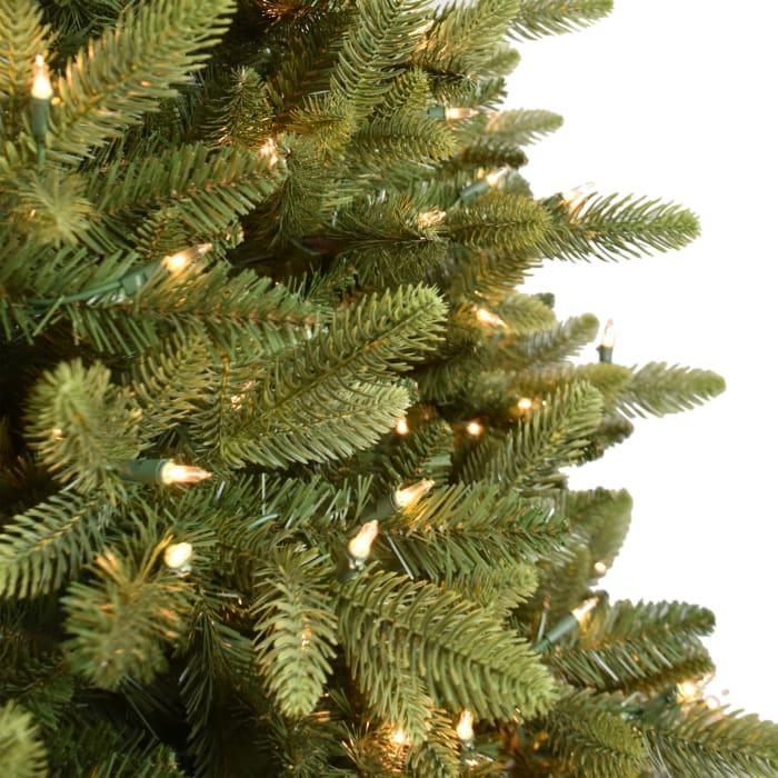 Pre-Lit 7.5' 500 Lights Green Slim Westford Spruce Artificial Christmas Tree