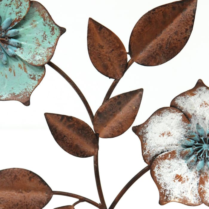 Distressed Metal Flower Table Top Sculpture