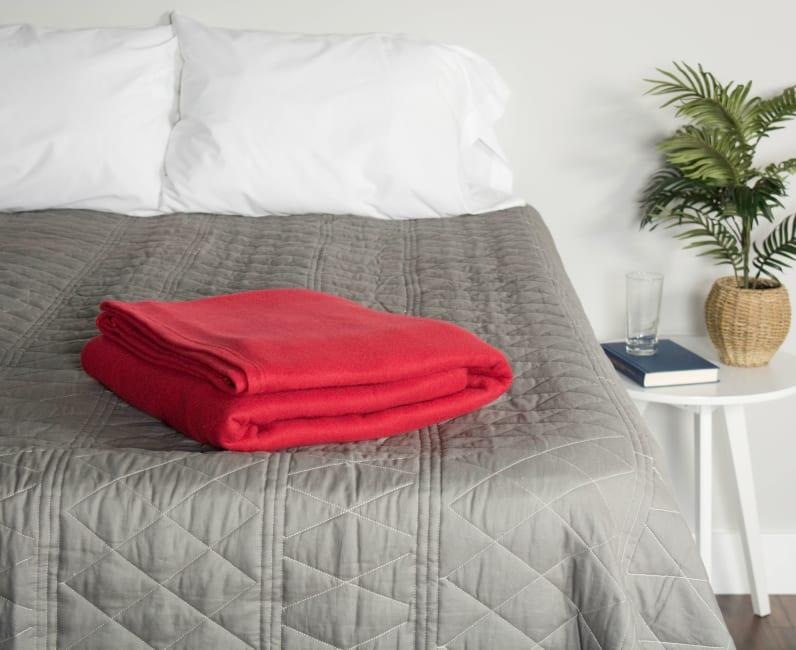 J&M Claret Fleece Blanket King 108x90