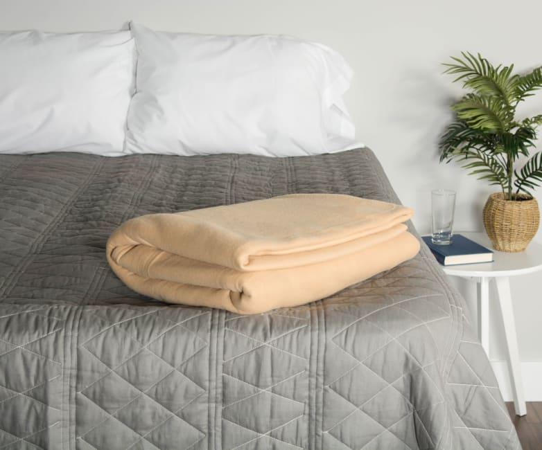 J&M Tan Fleece Blanket Full/Queen 90x90
