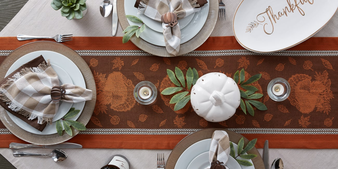 Harvest Feast Jacquard Table Runner 14x72