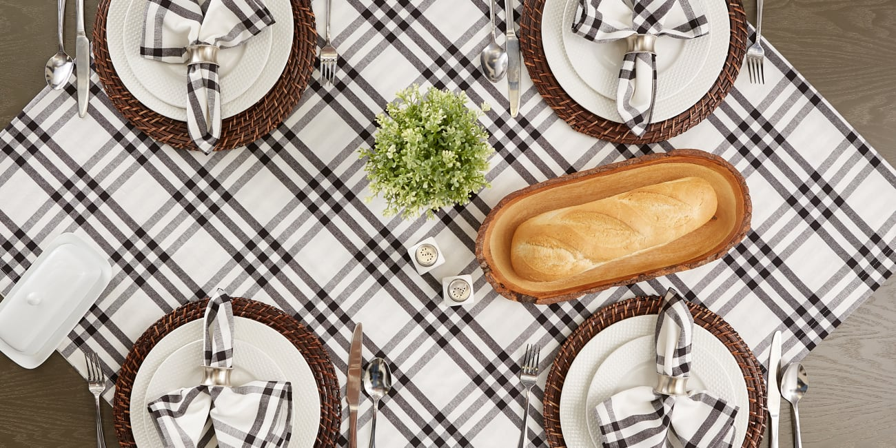Homestead Plaid Tablecloth 60x104