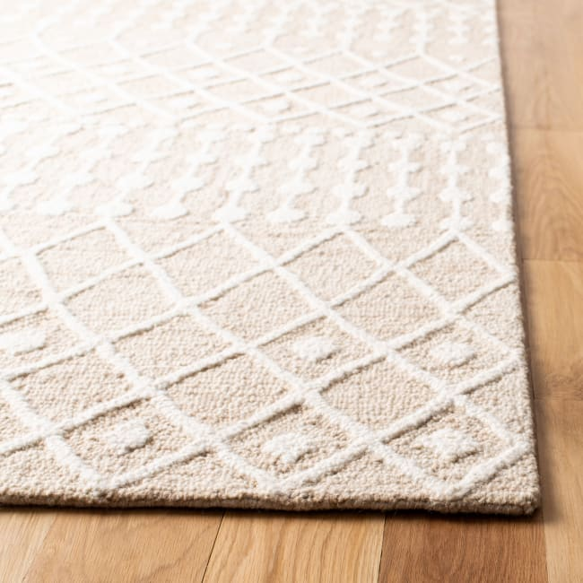 Safavieh Tan Wool Rug 2'25