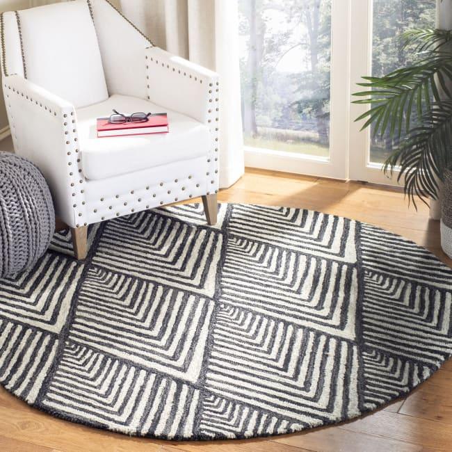 Safavieh Essence Black Wool Rug 5' Round