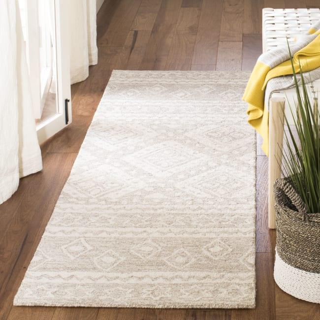 Safavieh Essence Natural Wool Rug 2'25