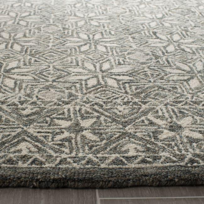 Safavieh Essence Blue Wool Rug  5' x 8'