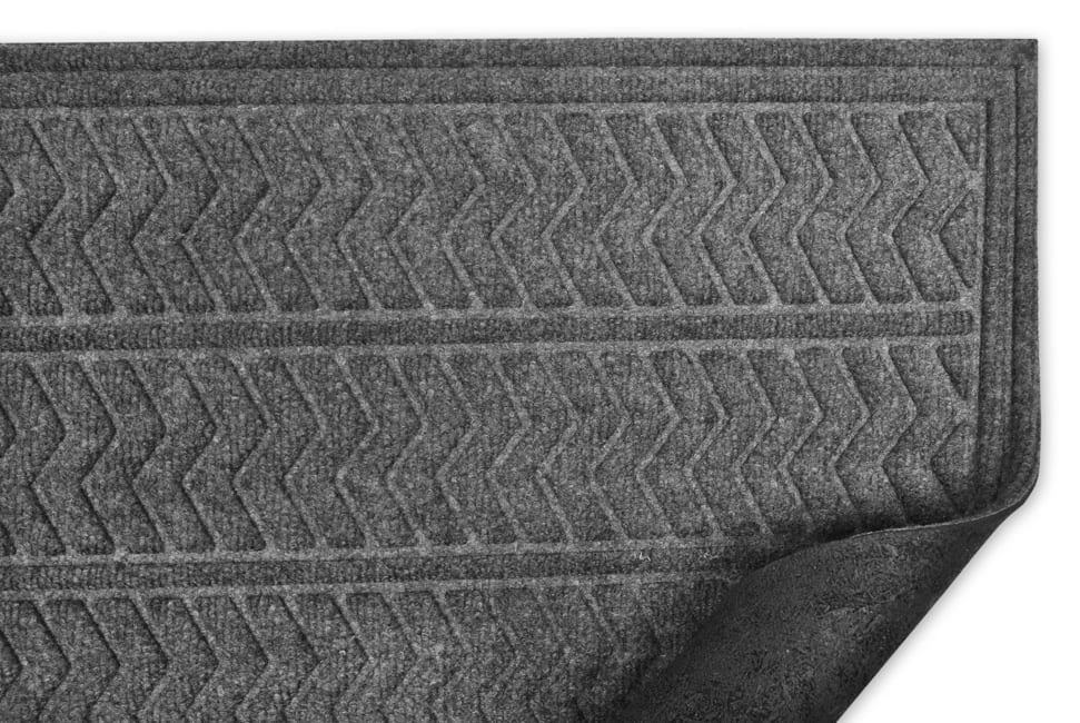 Dark Gray Chevron Hog Mat 3' x 2'