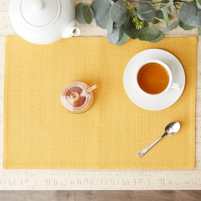 Apricot Tonal Variegated Placemet Set/6