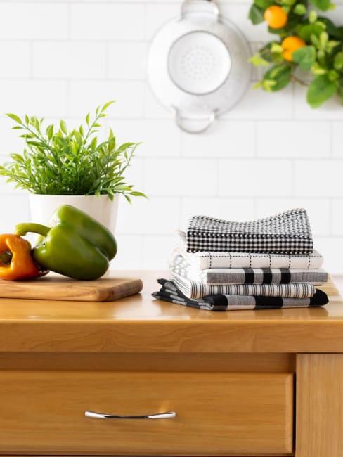 Black Farmhouse Set of 5 Woven Dishtowels