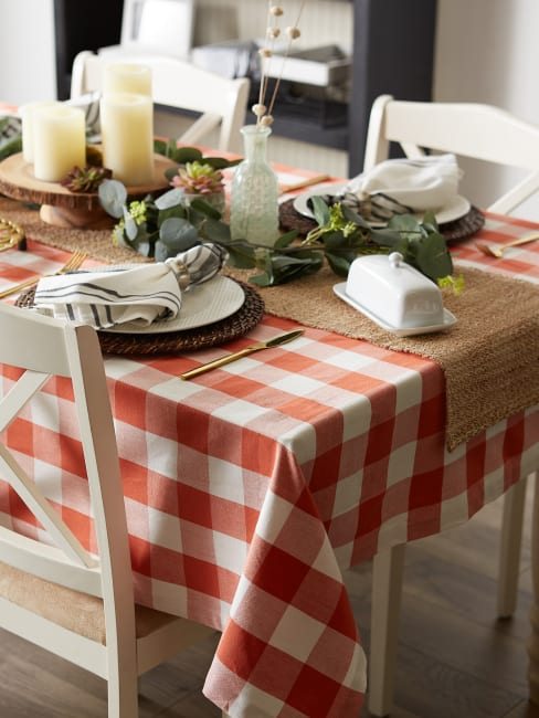 Vintage Red Buffalo Check 70 Round Tablecloth