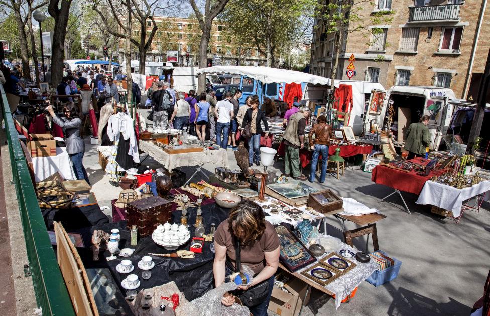 March aux puces de vanves paris dk eyewitness travel - Marche aux puces dijon ...