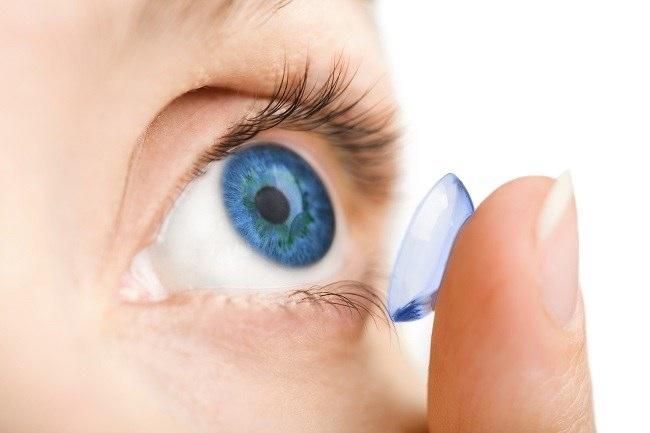Image result for cara merawat mata saat memakai lensa kotk