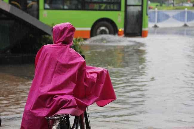 Bahaya Penyakit di Balik Banjir-Alodokter