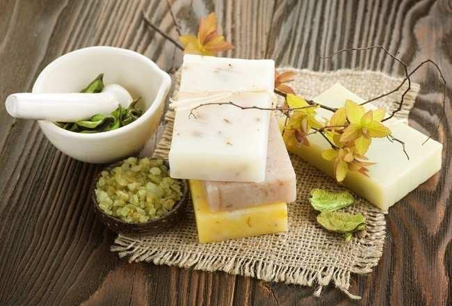 memilih sabun sesuai kebutuhan kulit - Alodokter