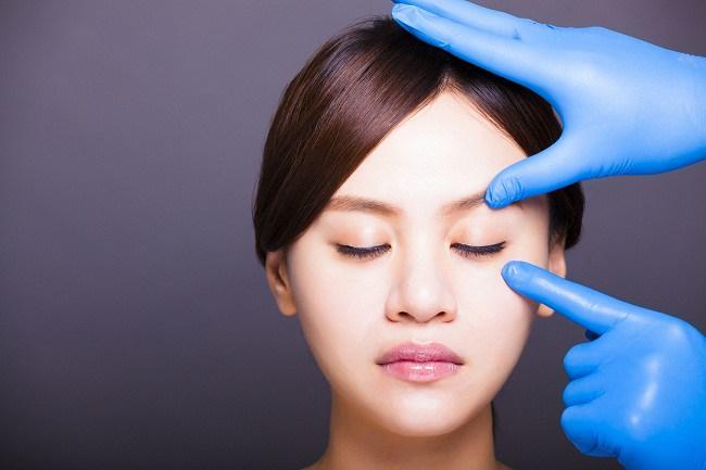 operasi kelopak mata untuk mempercantik diri - alodokter
