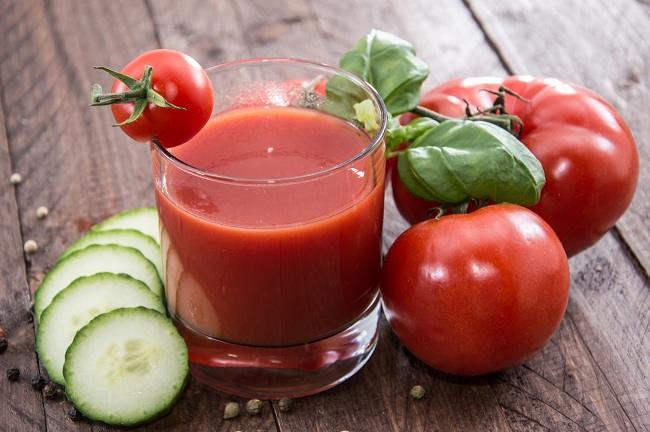 nikmati manfaat jus tomat untuk kesehatan - alodokter