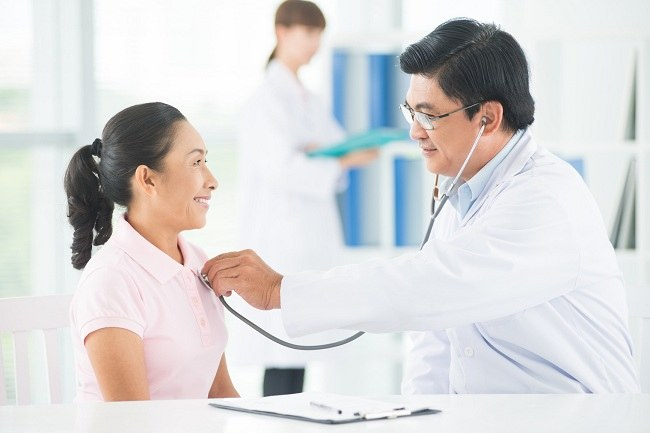 apa penyebab sakit dada sebelah kiri - alodokter