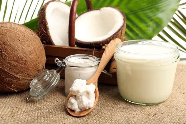 Manfaat Minyak Kelapa Bagi Kesehatan dan Kecantikan - Alodokter