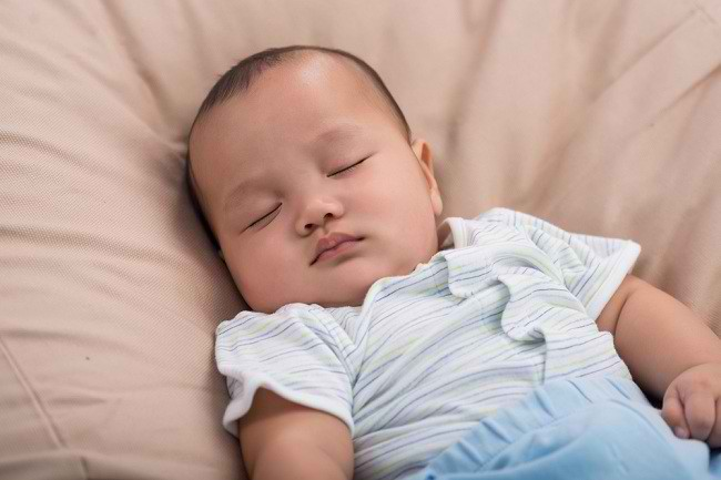 cara menidurkan bayi - alodokter