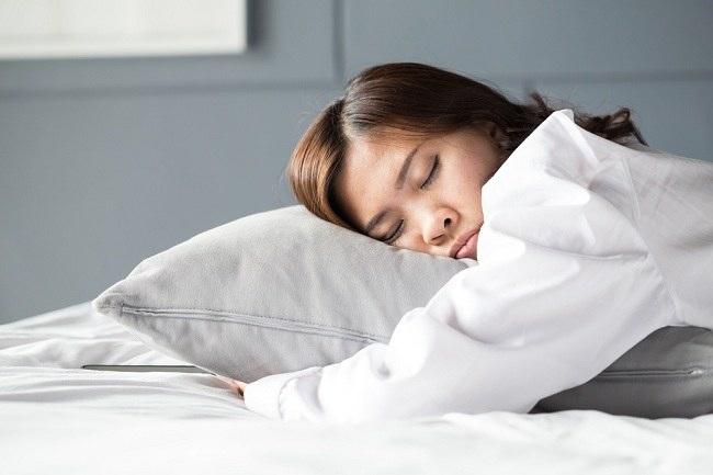 Katanya Tidur Siang Bikin Gemuk, Perhatikan Faktanya - alodokter