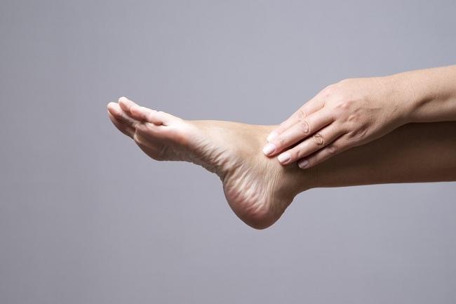 kapalan di kaki, cegah dan atasi dengan cara ini - alodokter