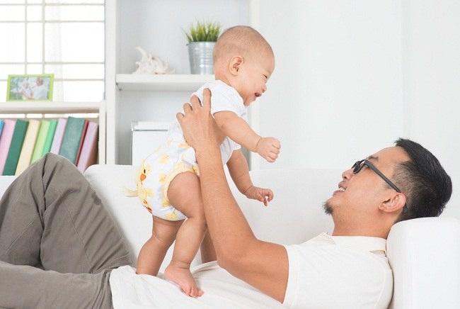 Para Ayah Juga Bisa Mengalami Baby Blues, Lho! (1)