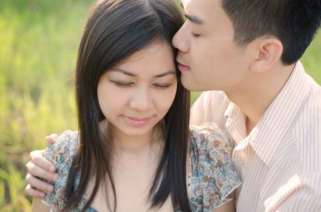 ciuman romantis - alodokter