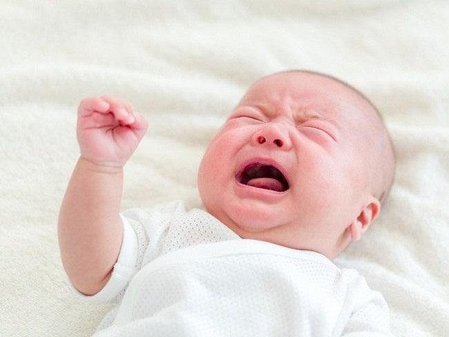 Inilah Alasan Bayi Menangis di Malam Hari