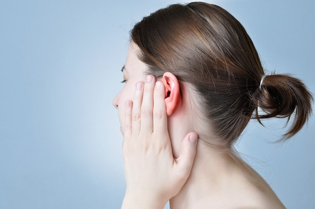 bengkak di belakang telinga dan gejala lain yang perlu diwaspadai - alodokter
