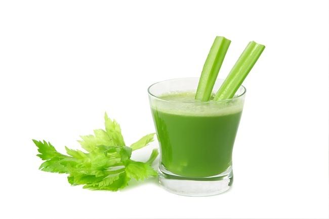 Banyaknya Manfaat daun seledri dan cara mengolahnya - alodokter