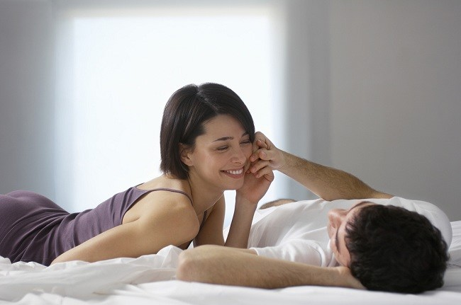 7 tanda wanita orgasme yang penting diketahui pria - alodokter