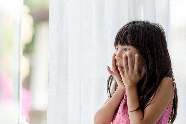 Begini Cara Menumbuhkan Keberanian Anak yang Pemalu
