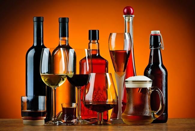 Kegunaan Alkohol Tak Sebanding Efek Negatifnya - alodokter